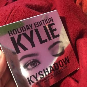 Kylie holiday edition palette